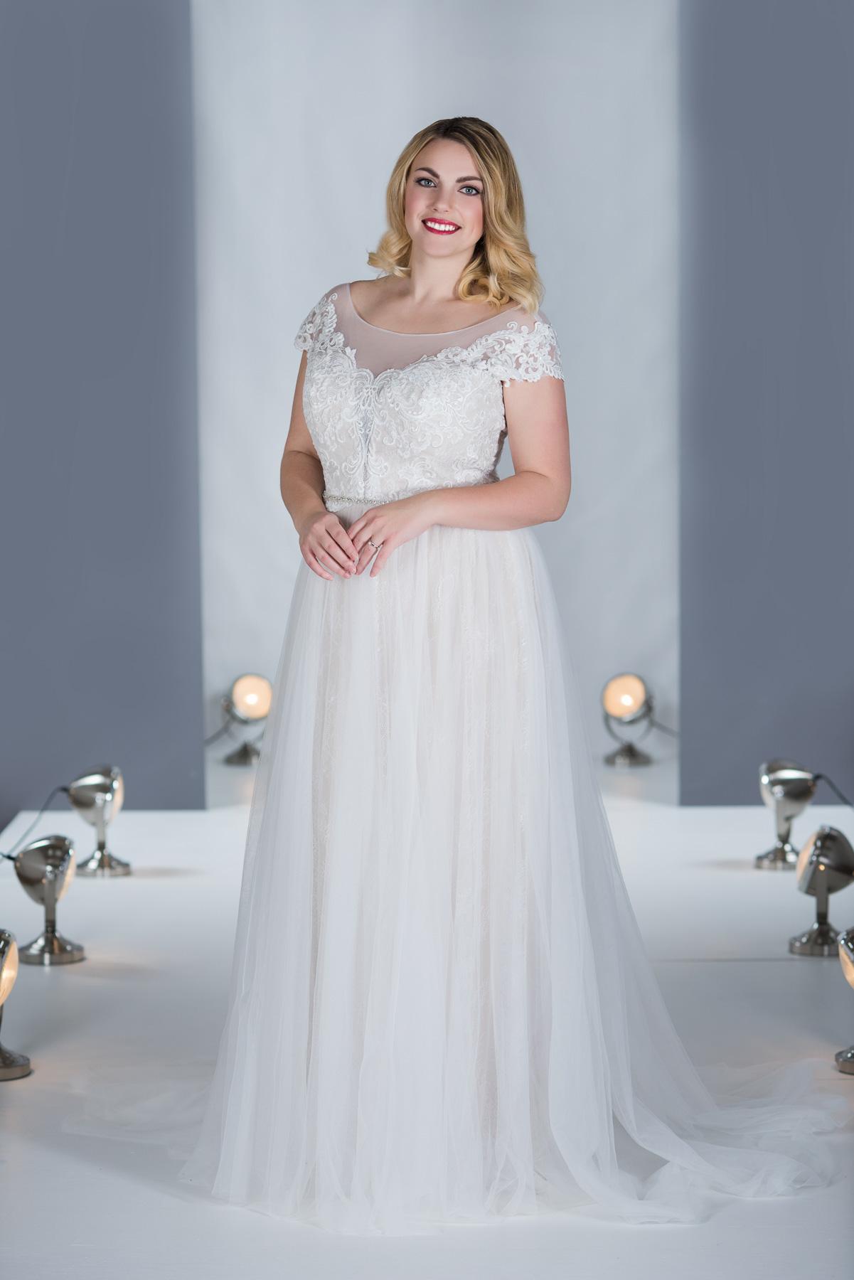 Mille Grace Bridal - MG13 - Kurvig-Gluecklich